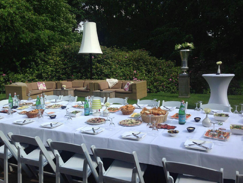 Bruiloftsdiner op het benedenterras van Hoog Holten